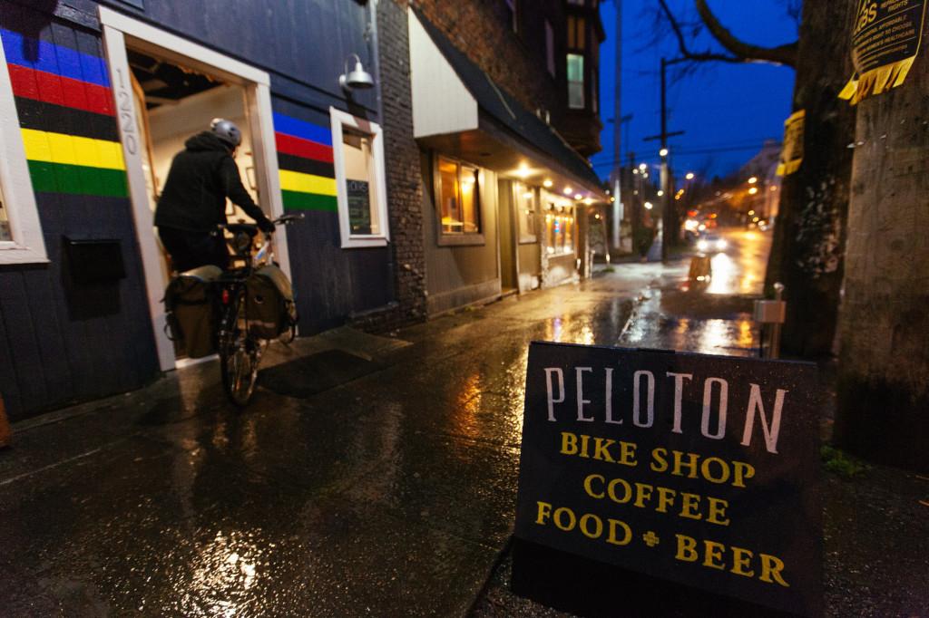 Boozy Bike Cafe Opens Doors on Jefferson